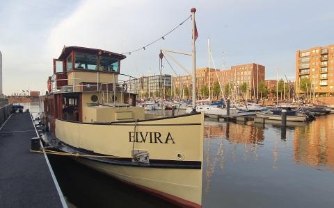 Take Away Boot Diner Elvira in de haven van IJburg